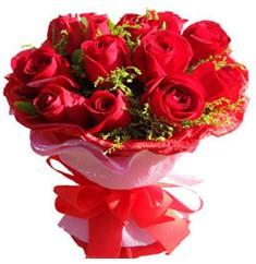 9 adet kirmizi güllerden kipkirmizi buket  Hakkari internetten çiçek satışı