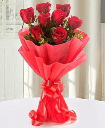 9 adet kırmızı gülden modern buket  Hakkari çiçek yolla , çiçek gönder , çiçekçi