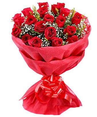 21 adet kırmızı gülden modern buket  Hakkari çiçek yolla