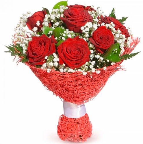 7 adet kırmızı gül buketi  Hakkari internetten çiçek satışı