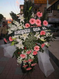kazablanka,gerbera,sebboy ferforje  Hakkari hediye çiçek yolla
