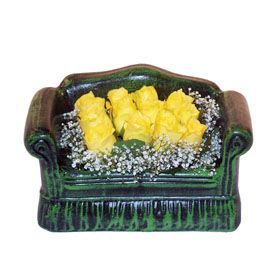 Seramik koltuk 12 sari gül   Hakkari çiçek , çiçekçi , çiçekçilik