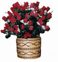 yapay kirmizi güller sepeti   Hakkari çiçek mağazası , çiçekçi adresleri