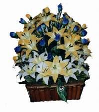 yapay karisik çiçek sepeti   Hakkari çiçek yolla