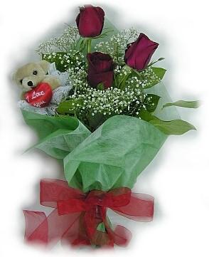 3 adet gül ve küçük ayicik buketi  Hakkari online çiçek gönderme sipariş