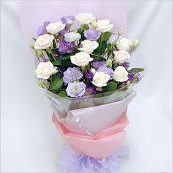 Hakkari çiçek siparişi sitesi  BEYAZ GÜLLER VE KIR ÇIÇEKLERIS BUKETI