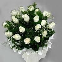 Hakkari ucuz çiçek gönder  11 adet beyaz gül buketi ve bembeyaz amnbalaj
