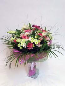 Hakkari ucuz çiçek gönder  karisik mevsim buketi mevsime göre hazirlanir.