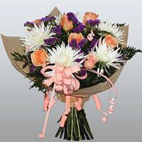 güller ve kir çiçekleri demeti   Hakkari internetten çiçek satışı