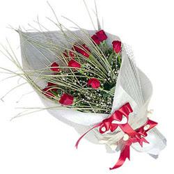 Hakkari güvenli kaliteli hızlı çiçek  11 adet kirmizi gül buket- Her gönderim için ideal
