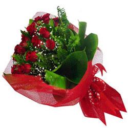 Hakkari çiçek mağazası , çiçekçi adresleri  12 adet kirmizi essiz gül buketi - SEVENE ÖZEL