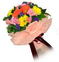 Hakkari hediye çiçek yolla  Karisik mevsim çiçeklerinden demet
