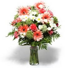 Hakkari internetten çiçek satışı  cam yada mika vazo içerisinde karisik demet çiçegi