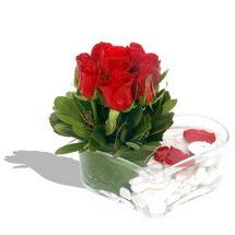 Mika kalp içerisinde 9 adet kirmizi gül  Hakkari çiçek online çiçek siparişi
