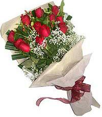 11 adet kirmizi güllerden özel buket  Hakkari çiçekçiler
