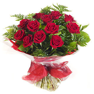 Ucuz Çiçek siparisi 11 kirmizi gül buketi  Hakkari hediye sevgilime hediye çiçek