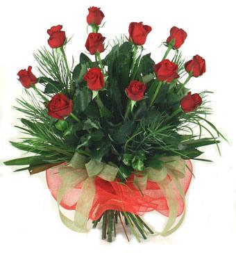 Çiçek yolla 12 adet kirmizi gül buketi  Hakkari kaliteli taze ve ucuz çiçekler