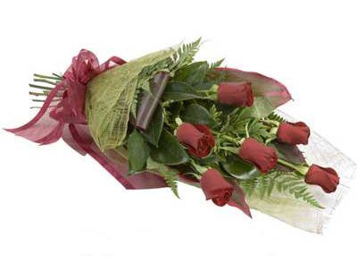 ucuz çiçek siparisi 6 adet kirmizi gül buket  Hakkari çiçekçi mağazası