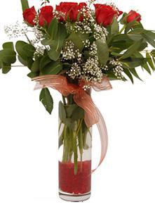 Hakkari cicekciler , cicek siparisi  11 adet kirmizi gül vazo çiçegi