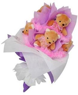 9 adet ayiciktan buket  Hakkari anneler günü çiçek yolla