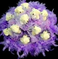 11 adet pelus ayicik buketi  Hakkari çiçek satışı