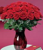 Hakkari hediye sevgilime hediye çiçek  11 adet Vazoda Gül sevenler için ideal seçim