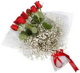 7 adet essiz kalitede kirmizi gül buketi  Hakkari anneler günü çiçek yolla
