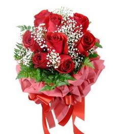 9 adet en kaliteli gülden kirmizi buket  Hakkari çiçek online çiçek siparişi