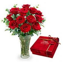 Hakkari hediye çiçek yolla  10 adet cam yada mika vazoda gül çikolata