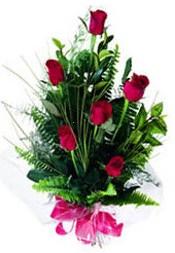 Hakkari kaliteli taze ve ucuz çiçekler  5 adet kirmizi gül buketi hediye ürünü