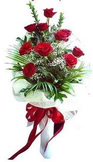 Hakkari çiçek , çiçekçi , çiçekçilik  10 adet kirmizi gül buketi demeti
