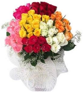 Hakkari çiçek gönderme  51 adet farklı renklerde gül buketi