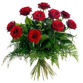 Hakkari çiçek yolla  10 adet kırmızı gülden buket