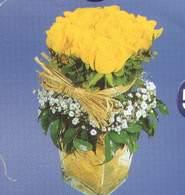 Hakkari 14 şubat sevgililer günü çiçek  Cam vazoda 9 Sari gül