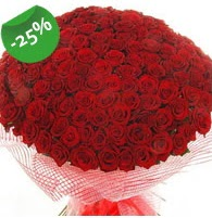 151 adet sevdiğime özel kırmızı gül buketi  Hakkari çiçekçi mağazası