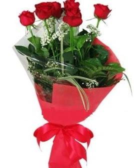 5 adet kırmızı gülden buket  Hakkari çiçek mağazası , çiçekçi adresleri