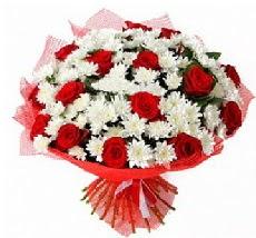 11 adet kırmızı gül ve 1 demet krizantem  Hakkari çiçek servisi , çiçekçi adresleri