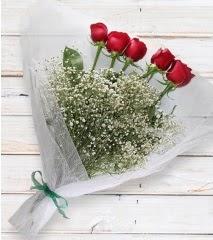 5 kırmızı gülden sade buket  Hakkari çiçek gönderme sitemiz güvenlidir