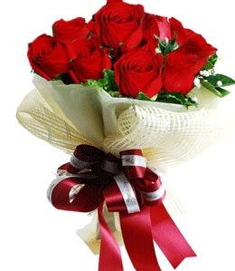 9 adet kırmızı gülden buket tanzimi  Hakkari İnternetten çiçek siparişi
