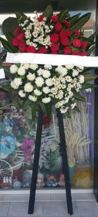 Cenaze çiçeği cenaze çiçek modelleri  Hakkari çiçekçi mağazası