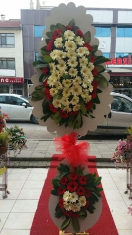 Çift katlı düğün açılış çiçeği  Hakkari çiçekçi telefonları