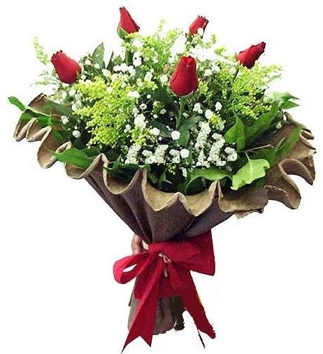 5 adet gülden buket  Hakkari İnternetten çiçek siparişi