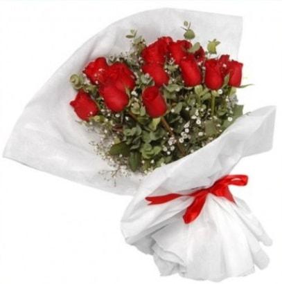 9 adet kırmızı gül buketi  Hakkari hediye çiçek yolla
