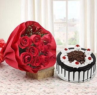 12 adet kırmızı gül 4 kişilik yaş pasta  Hakkari çiçek satışı