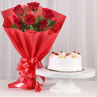 6 Kırmızı gül ve 4 kişilik yaş pasta  Hakkari çiçek satışı