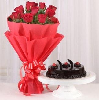 10 Adet kırmızı gül ve 4 kişilik yaş pasta  Hakkari çiçek siparişi sitesi