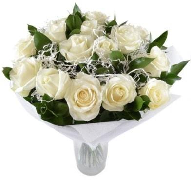 15 beyaz gül buketi sade aşk  Hakkari çiçekçi telefonları