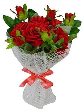 9 adet kırmızı gülden sade şık buket  Hakkari çiçek gönderme