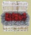 Hakkari cicek , cicekci  Sandikta 11 adet güller - sevdiklerinize en ideal seçim